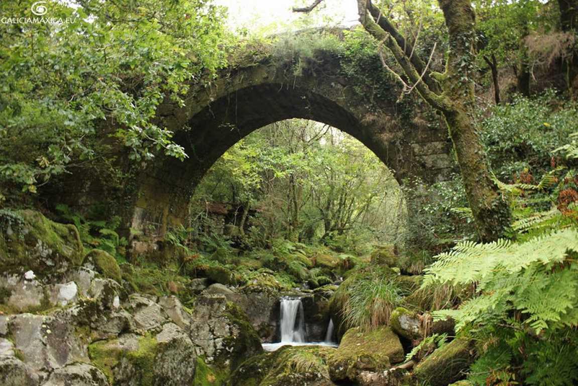 Puente de Piñeiro sobre el Caraño