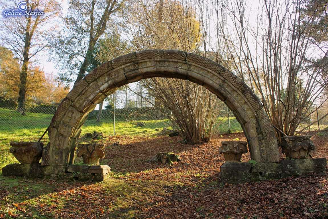 Arco triunfal románico