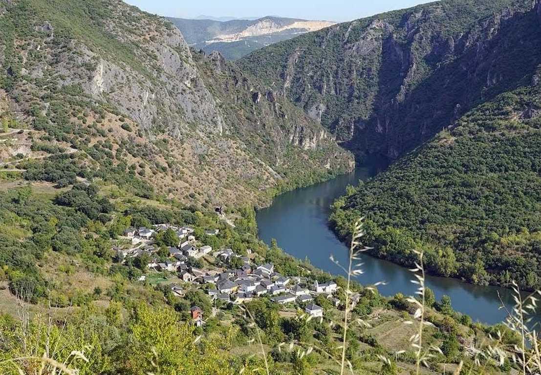 Valle en el Parque Natural da Serra da Enciña da Lastra