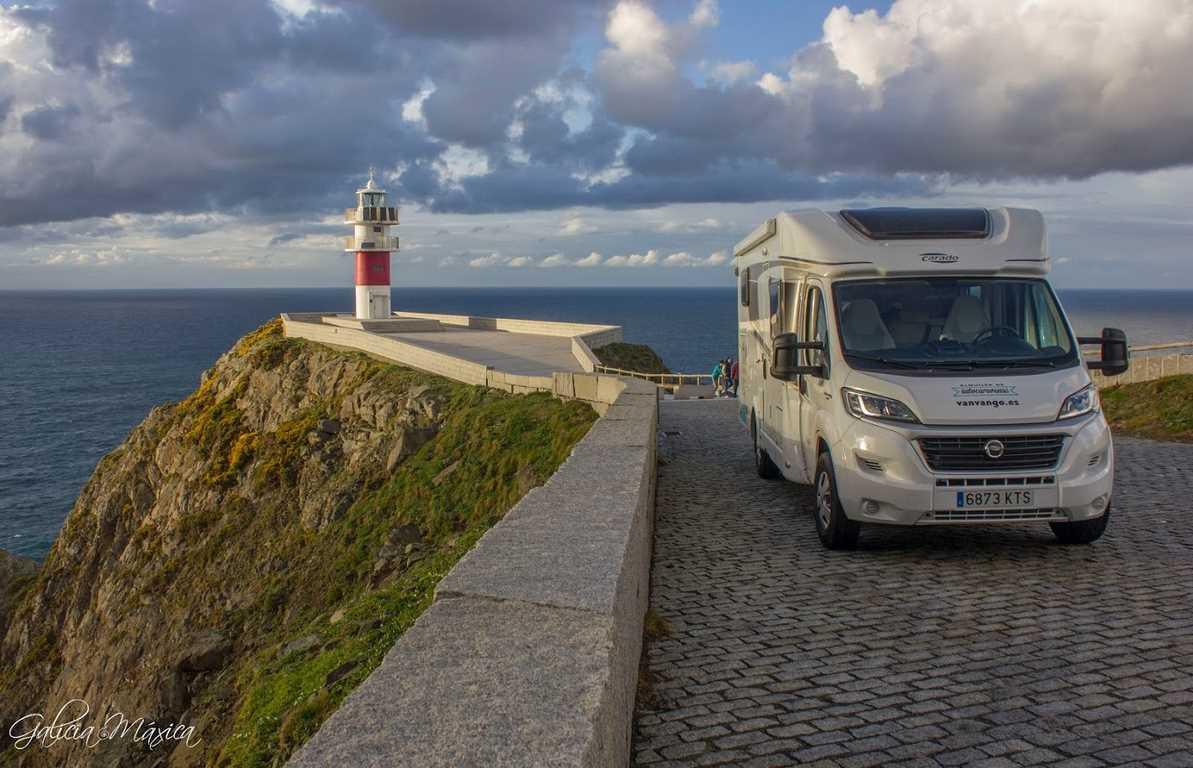 Faro de Cabo Ortegal con Van Van Go