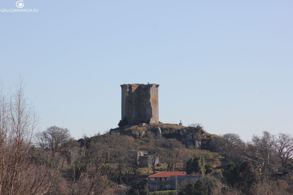 Vista de la torre de Sandiás