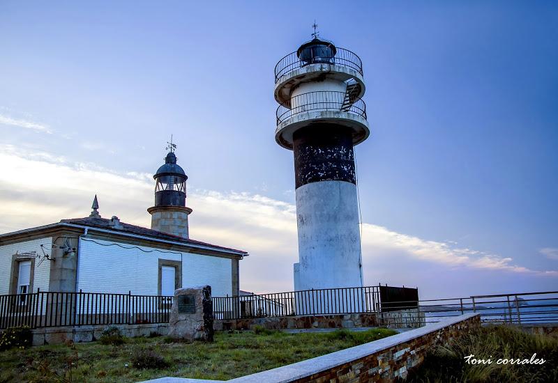 Faro Punta Atalaia