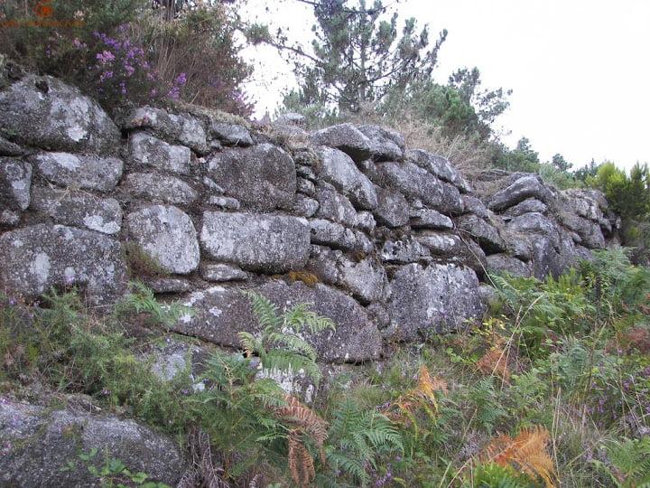 Muralla ciclópea del Monte Aloia