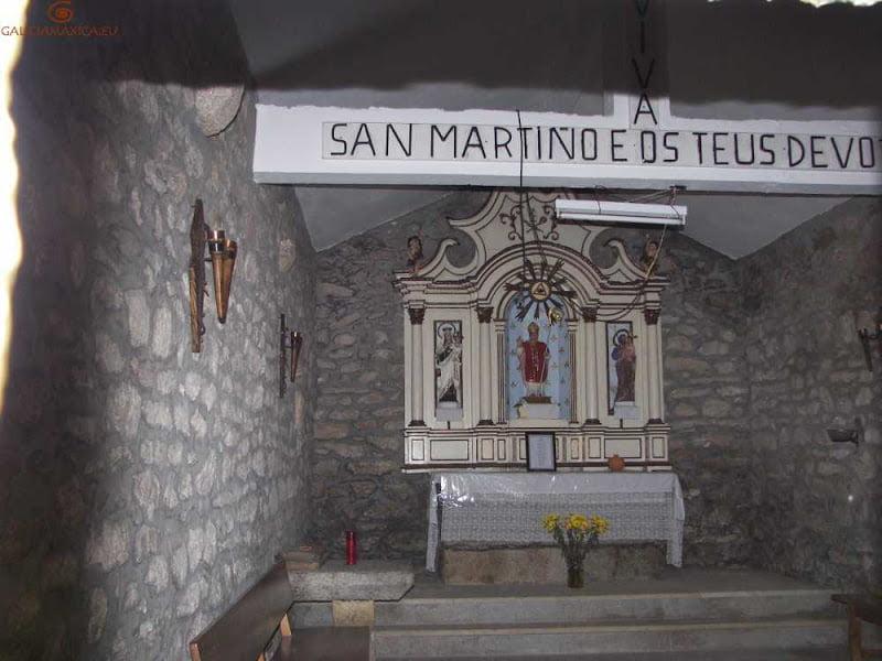 interior de la capilla de San Mariño