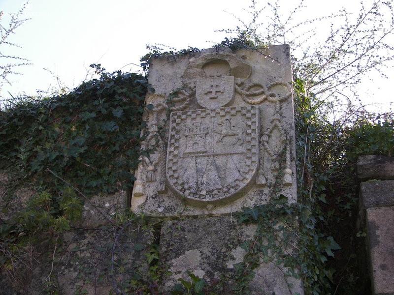 Escudo en la Fortaleza de San Lorenzo de Goián
