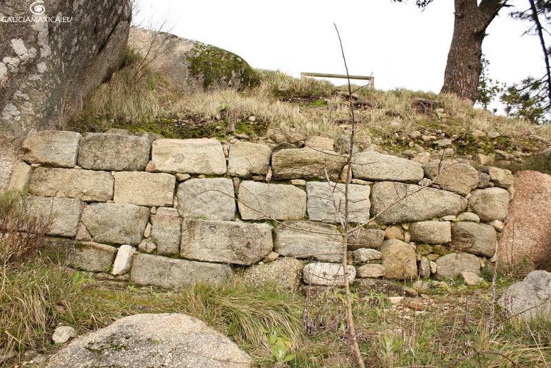 Murallas de Monte Lobeira