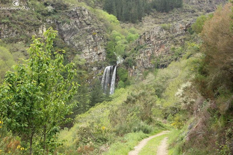 Cascada de Vilagocende