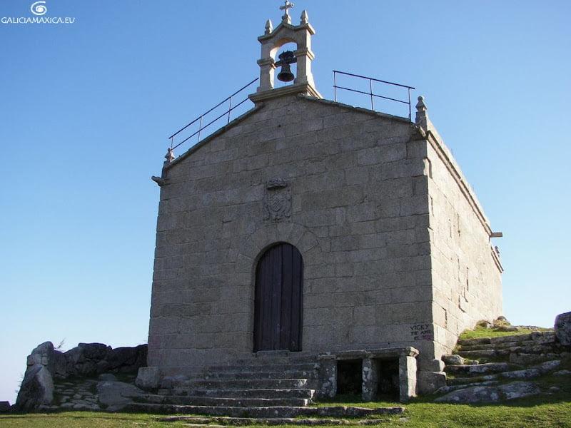 Escudo en la capilla