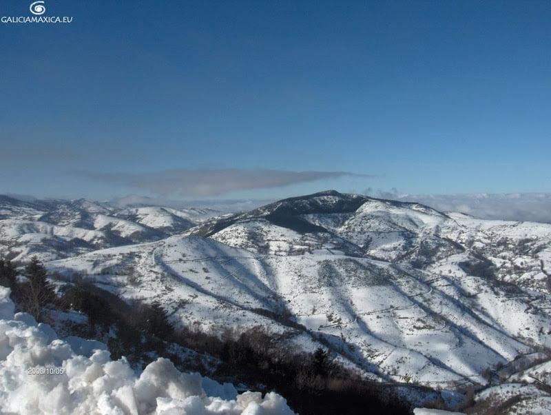 Alto de Cebreiro con nieve