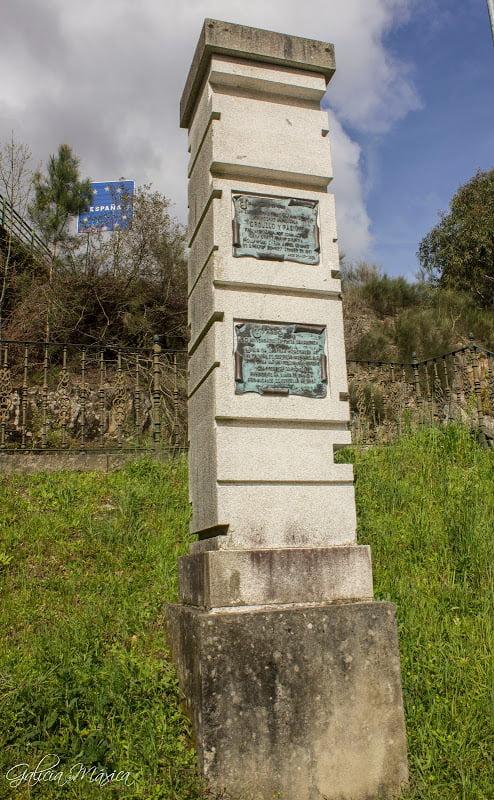 Monumento conmemorativo a la película Orgullo y Pasión y a la fiesta de la lamprea