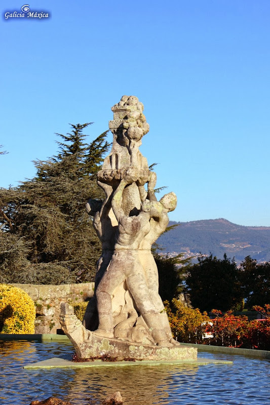 """Monumento al """"empuxe do pobo vigués"""""""