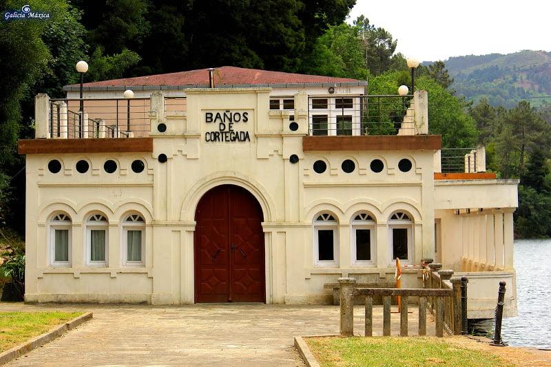 Puerta Baños de Cortegada