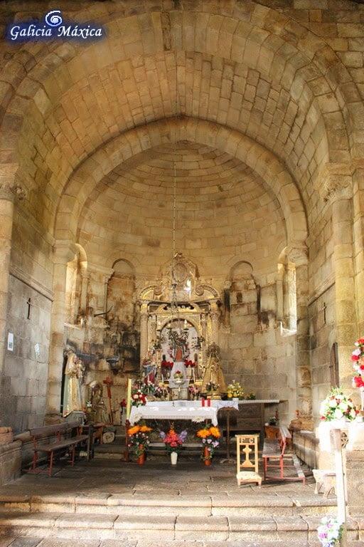 Interior de la iglesia de Dozón
