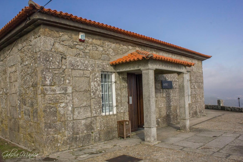 Edificio del museo arqueológico - Masat