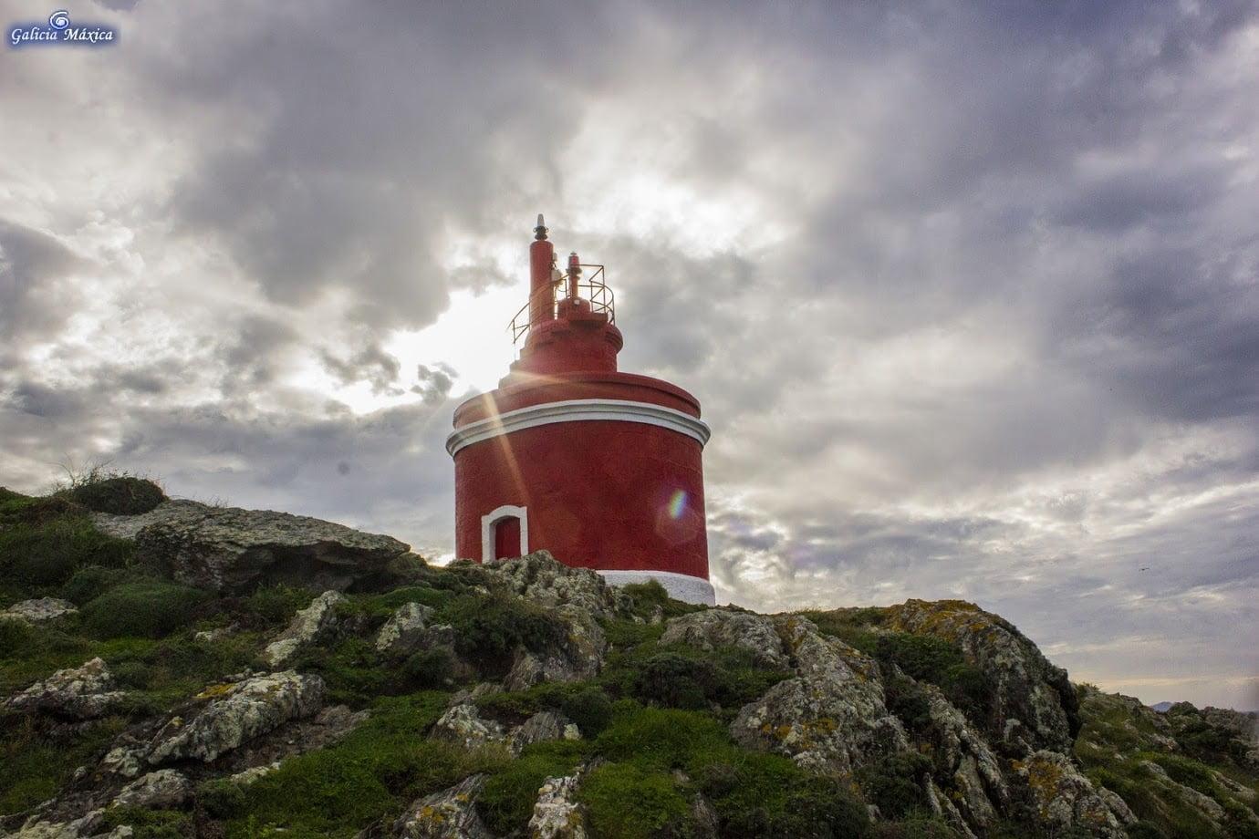 Faro de Punta Robaleira, en Cabo Home