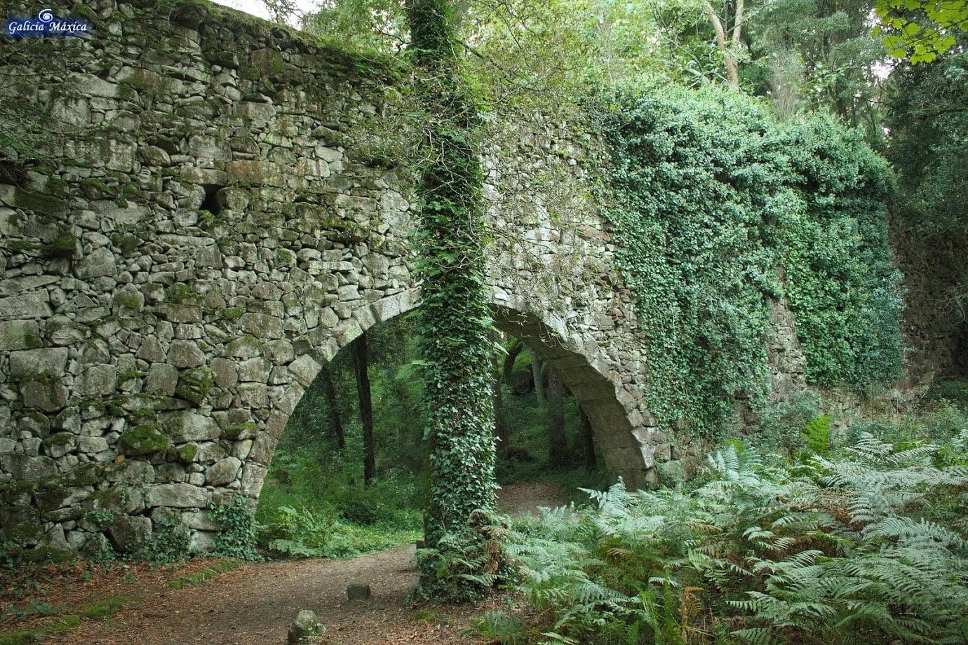 Acueducto del bosque Encantado