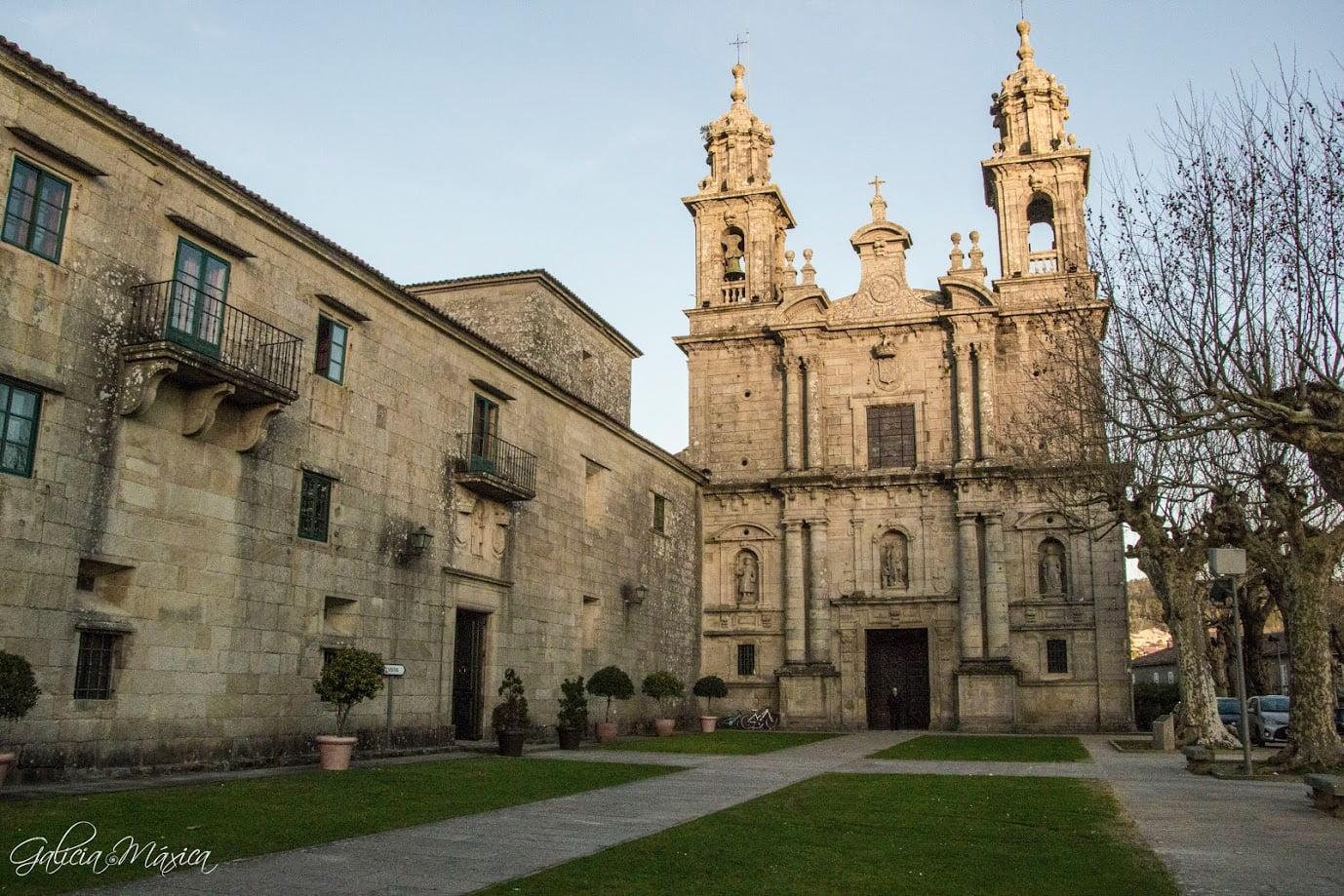 Monasterio y hórreo de San Xoan de Poio | GALICIA MÁXICA