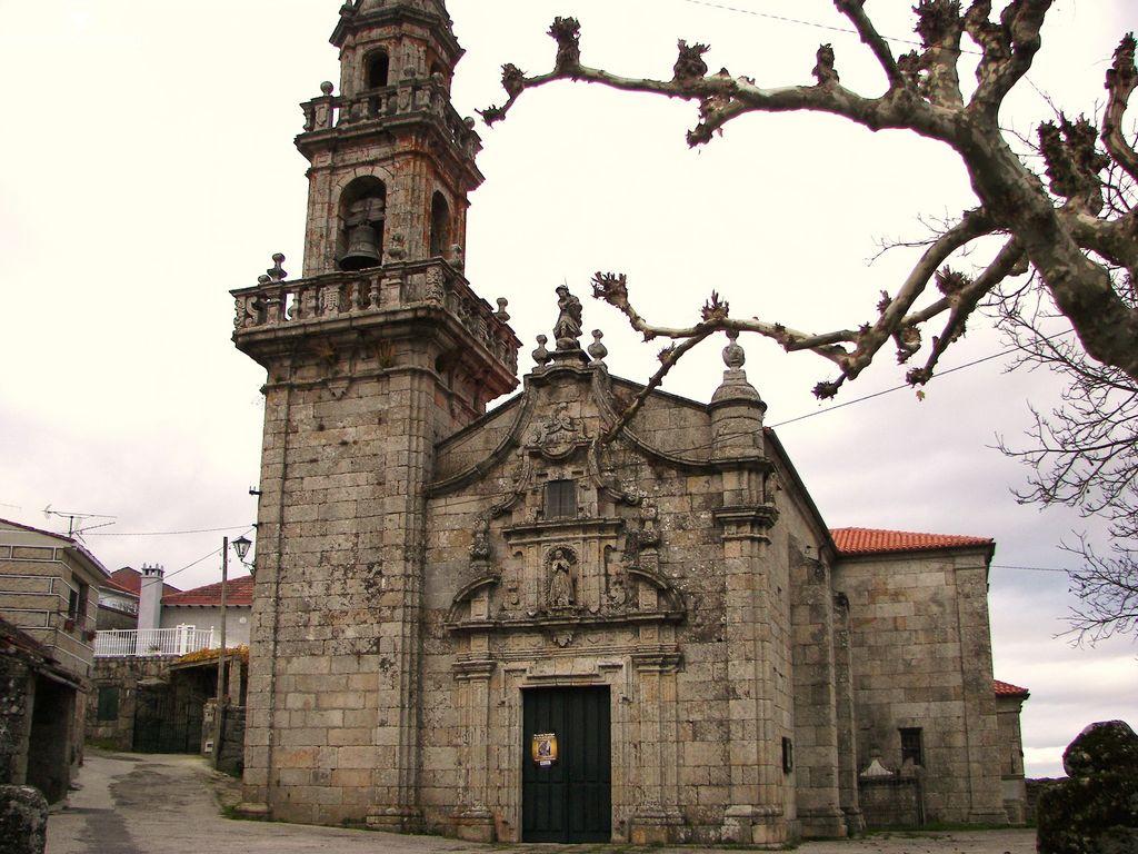 Iglesia de Carballeda