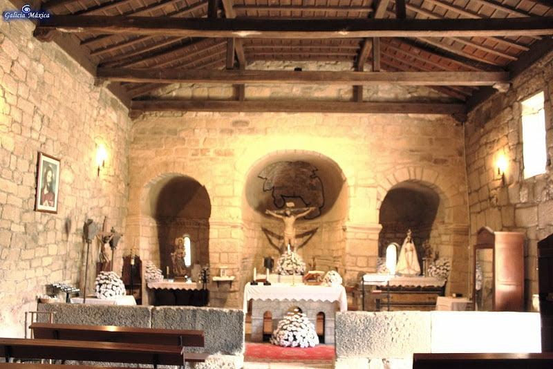 Interior de la iglesia de Mixós