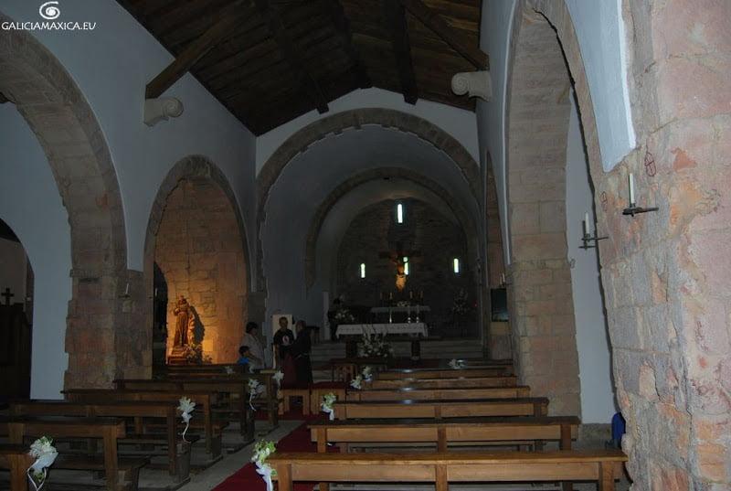 Interior de la iglesia de O Cebreiro