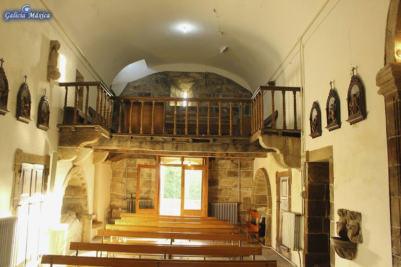 Interior de la Iglesia de Donramiro